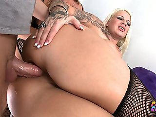 PervCity Nasty Anal Threesome with Dee Siren Lucky B